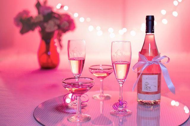 media/image/pink-wine-1964457_640.jpg