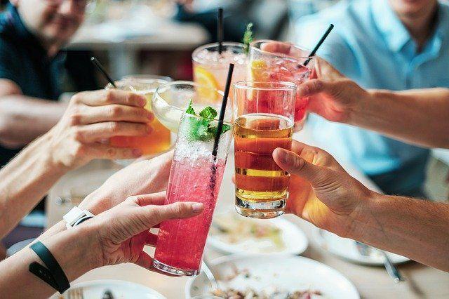 Biete deinen Kunden ein Getränk an