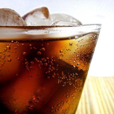 Colahaltiges Erfrischungsgetränk