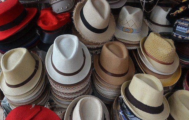 Beschenke deine Kunden mit Hüten und Mützen