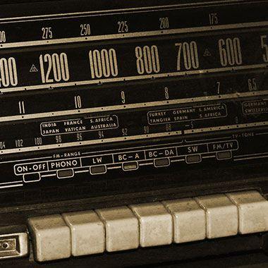 Radio mit Frequenzeinstellung