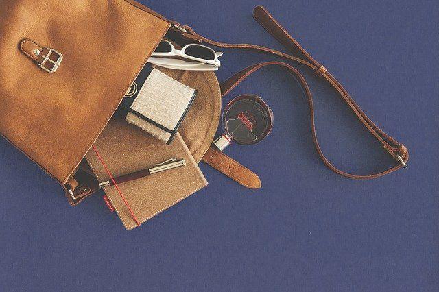 Handtasche mit Taschenlicht