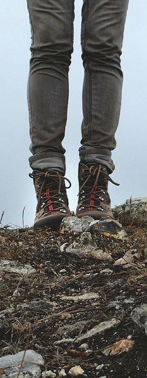 Wanderschuhe gibt es oft in speziellen Schuhläden