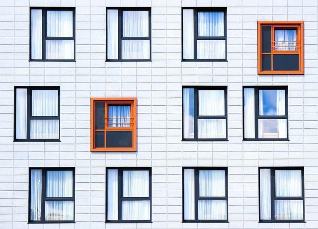 media/image/facade-828984_640.jpg