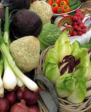 Leckeres und frisches Gemüse vom Markt schmeckt toll