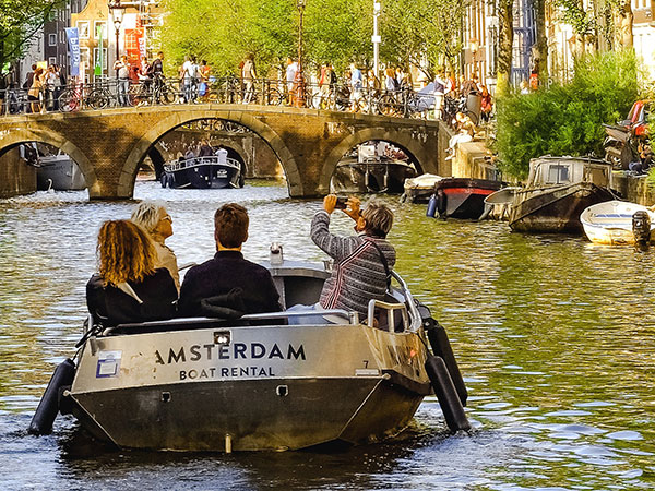 amsterdam-boat-rental-klein