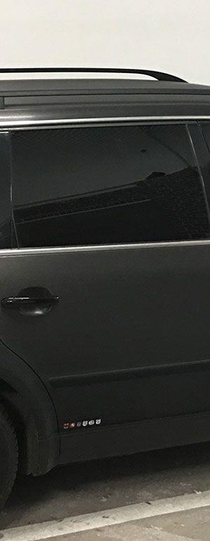 VW Passat mit einer Folierung von Avery brushed Folie