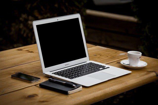 Mobiles Laptop Licht