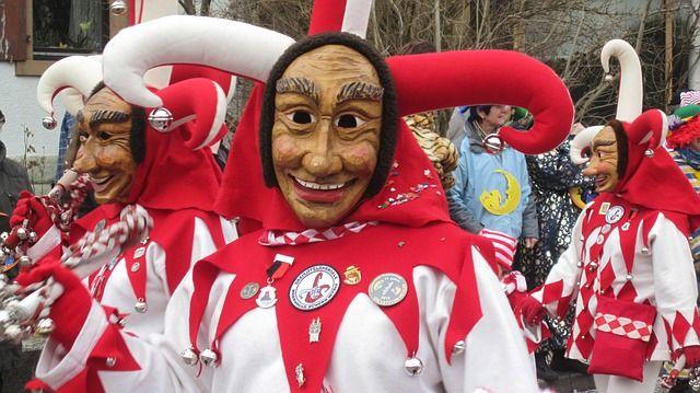 Beim Karneval kommen Saisonartikel sehr gut an