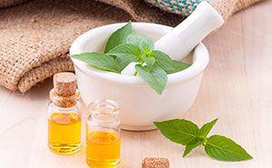 Massageöl in einem Stampfer