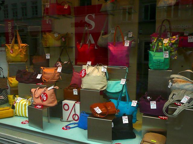 Handtaschen sind bei Damen sehr beliebt